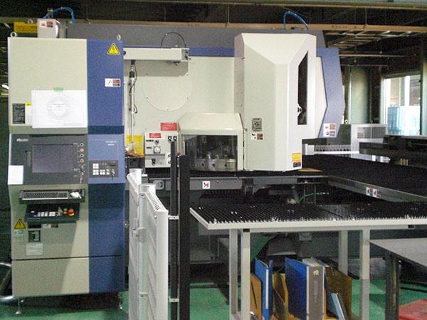 CNCレーザーパンチプレス